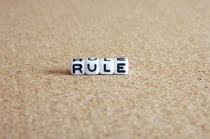 ルールと書かれたサイコロ画像