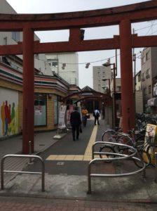 穴守稲荷駅外観4